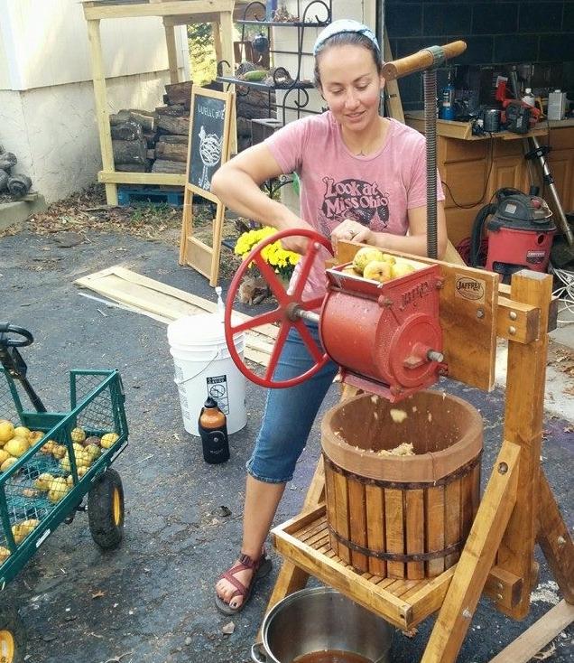 turning cider press