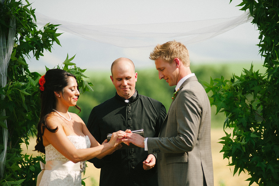 areus wedding wheat field walla walla keith+leah065.JPG