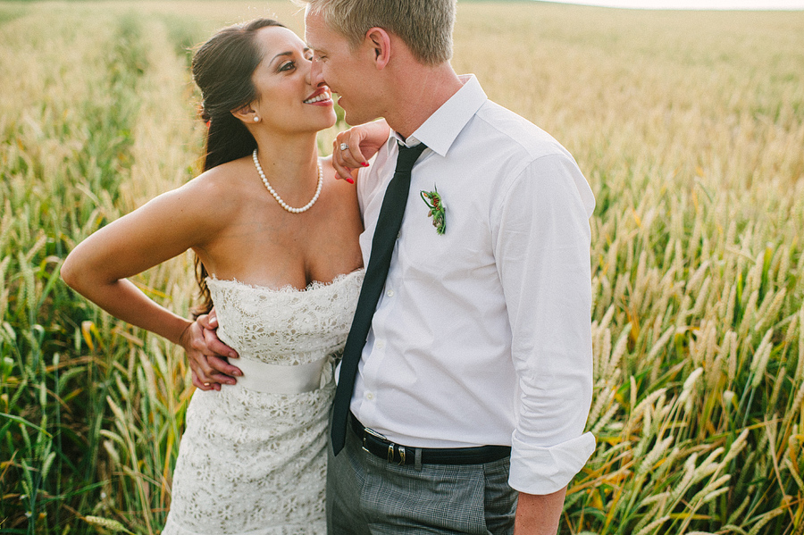 areus wedding wheat field walla walla keith+leah103.JPG