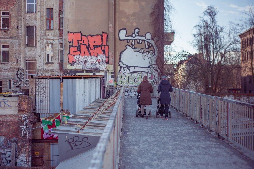 alley-architecture-berlin-110817.jpg