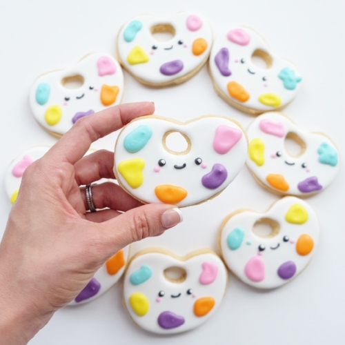 COOKIES    Tiny Kitchen Treats    TOO CUTE TO EAT! These adorable cookies are going to make you decide between the impossible choice of eating a delicious cookie, or keeping it forever as art. #harddecisions #lifechoices #ugh