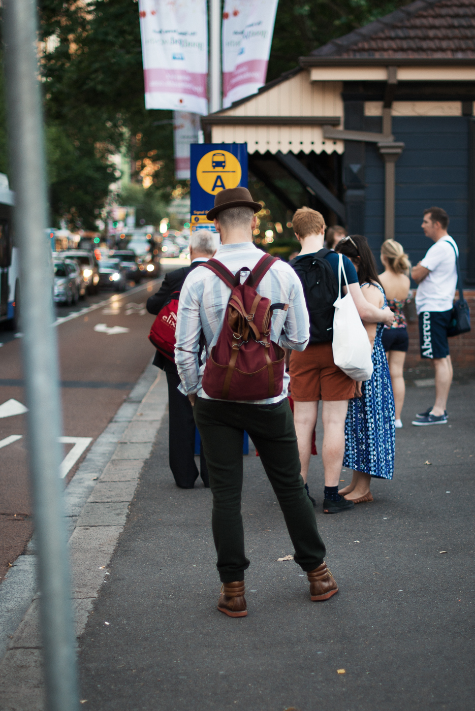 Kettle-curl brim. Similar look:Brixton 'Gain' Homburg Khaki/ Brown Medium.