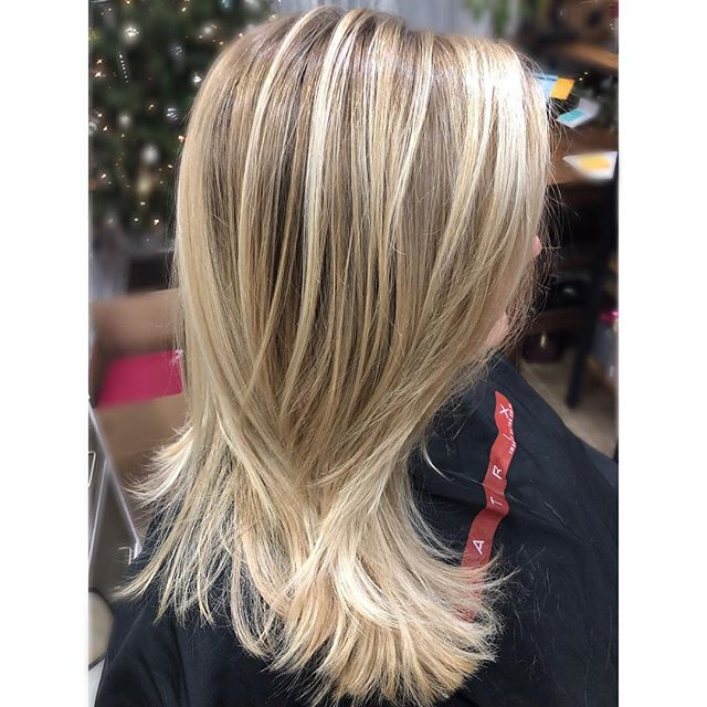 Who doesn't love a nice pop of color during these cold and dark days🌟 #alchemythesalonct