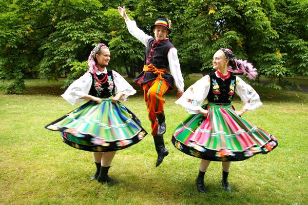 bulgarian dance.jpg