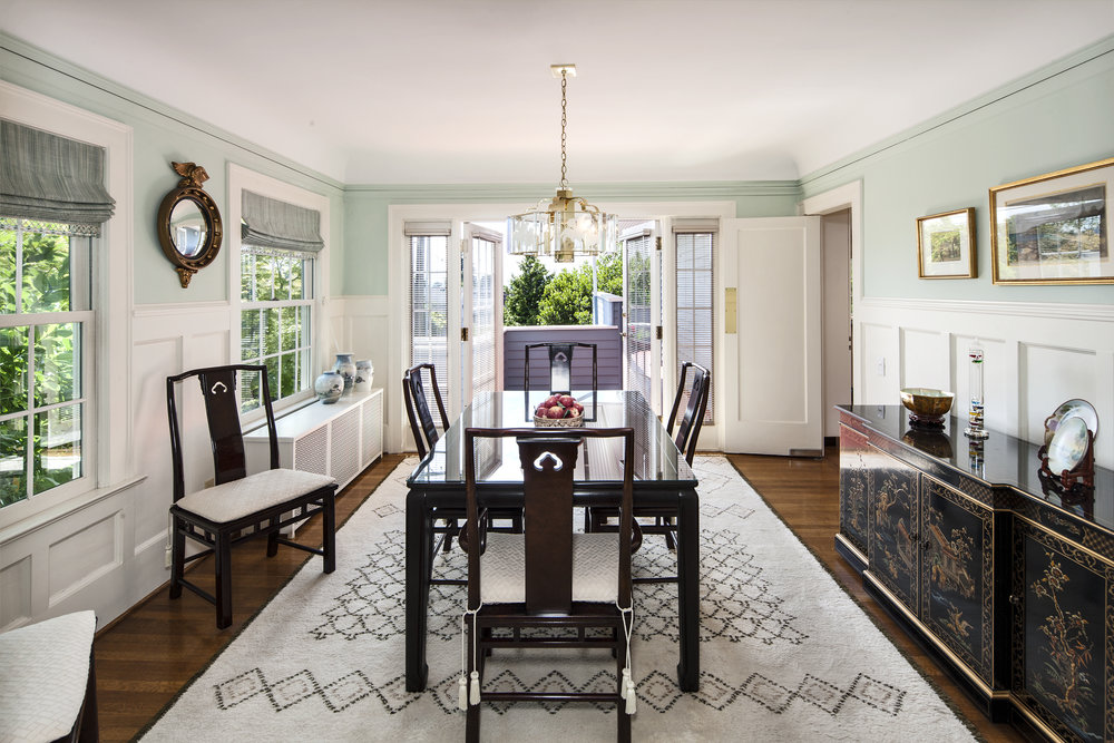 CHARM TO SPARE LIST PRICE: $1,395,000 • capitol hill