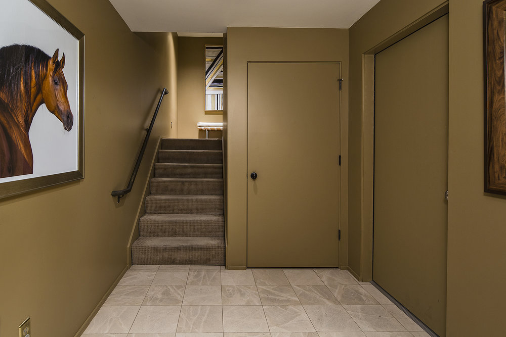 Foyer-med.jpg