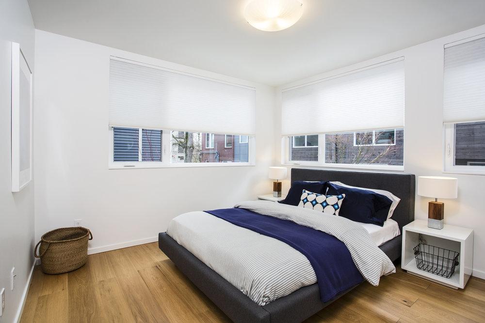 Mid-bed-lrg.jpg