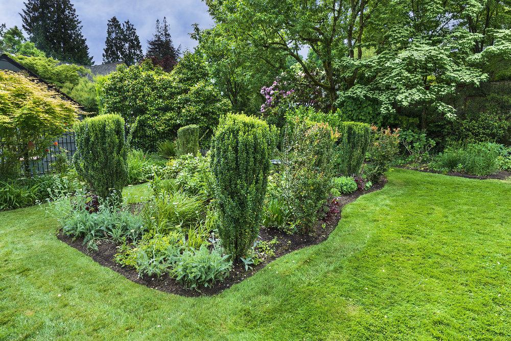 Gardens-3-med.jpg