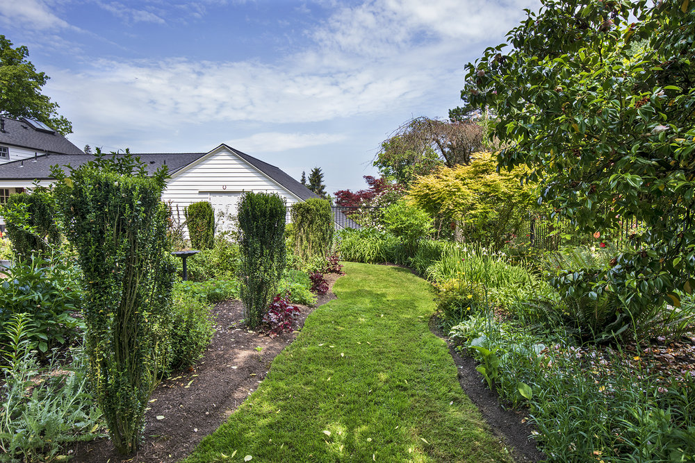 Gardens-6-med.jpg