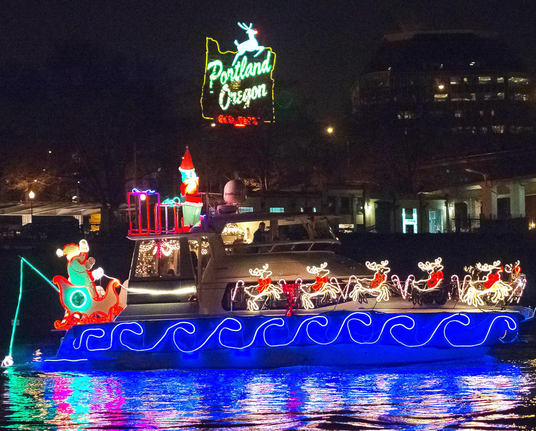 Christmas Boats Portland 2019.Portland Spirit Lighted Ship Parade Experience Oregon