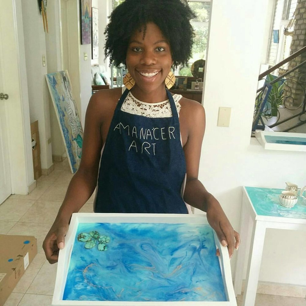 Isabelle received a private Sip & Pour class from Amanacer. Isn't her resin creation gorgeous?