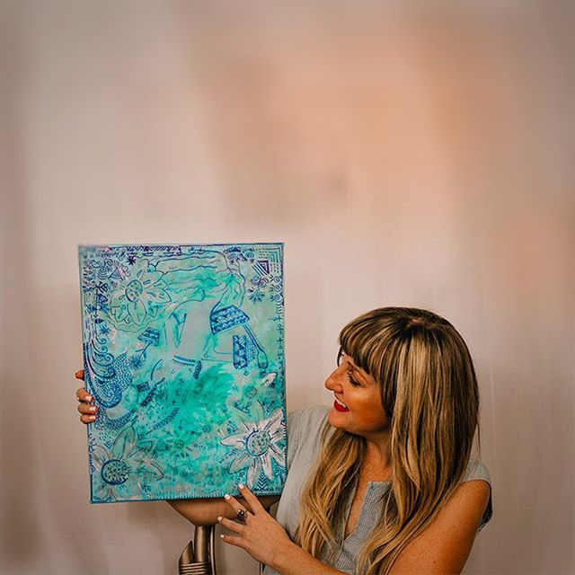 Happy #earthday! Here's an #ocean inspired work in progress I've got underway ☝️ It's made out of epoxy resin, alcohol inks and acrylic paint. How? I do a layer of paint, then pour a think layer of lightly tinted resin, let it dry. Then I paint ON the resin, and pour another layer. 💫 🌊The result is a truly underwater feel with depth and built-up texture. 💫🌊Yep, it takes patience but since I have 5-6 art works underway simultaneously, there's never a dull moment in the Amanacer Studio💫🌊 that's a little #WIP for inside scoop for you. Happy Sunday! Hope you get some creative #playtime today too. 🌊💫#amanacerArt
