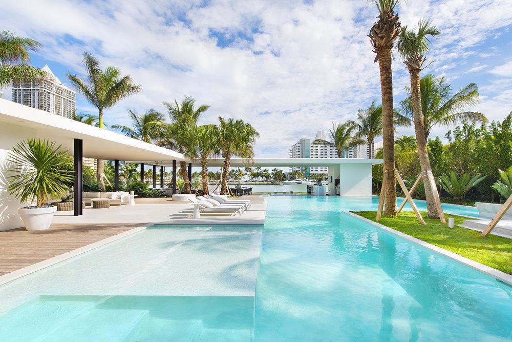 4555 Pine Tree Drive Miami Beach