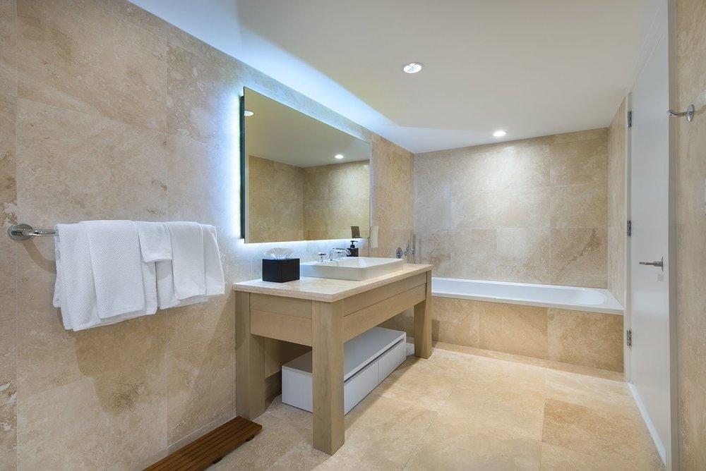 10-Master_Bath.0.jpg