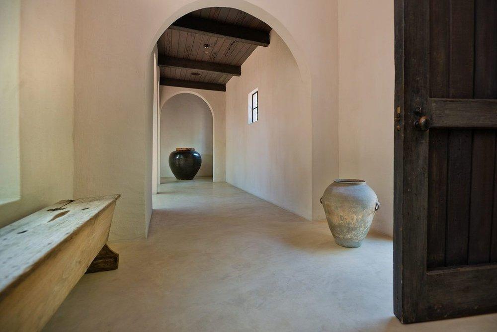 009---Main-Entrance-Door-Interior-Hallway.0.jpg