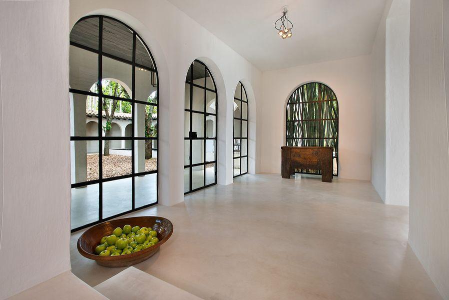 010---Main-Living-Entrance-Apples.0.jpg