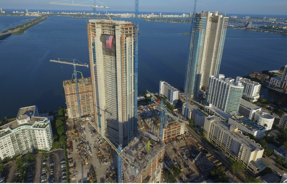 Paraiso Bay Tops Off 53 Floors Edgewater Miami Related Group