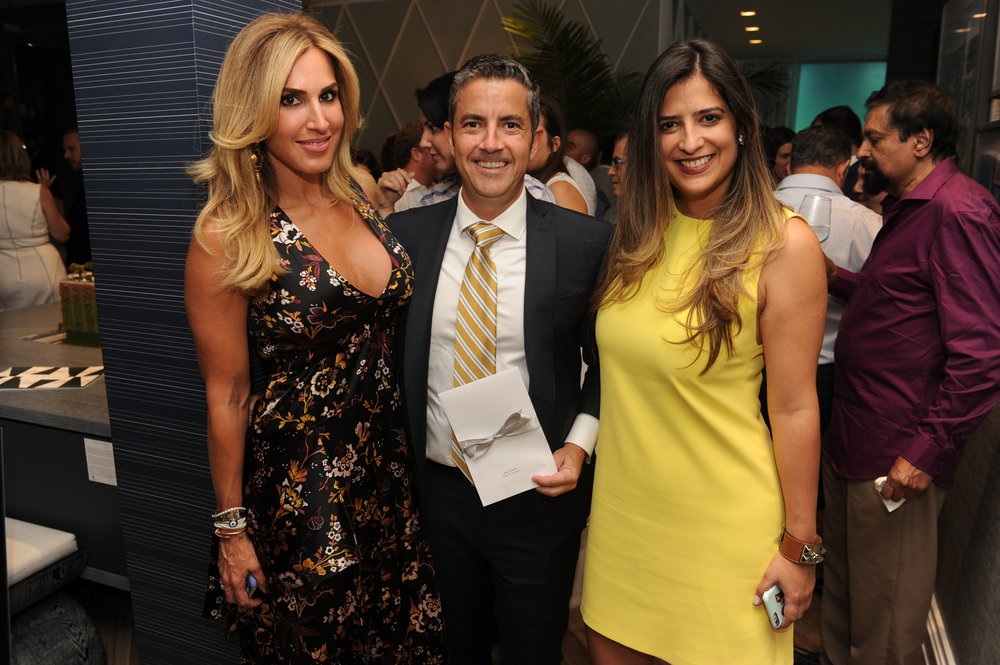 Jennifer Cervera, Juan Estrada & Yanet de Castro