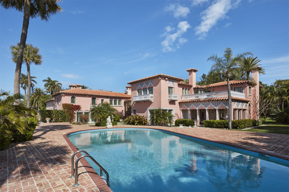 Explore the Grounds of Casa del Ensuenos, The 1923 Lakefront Palm Beach Estate Asking $32.5 Million