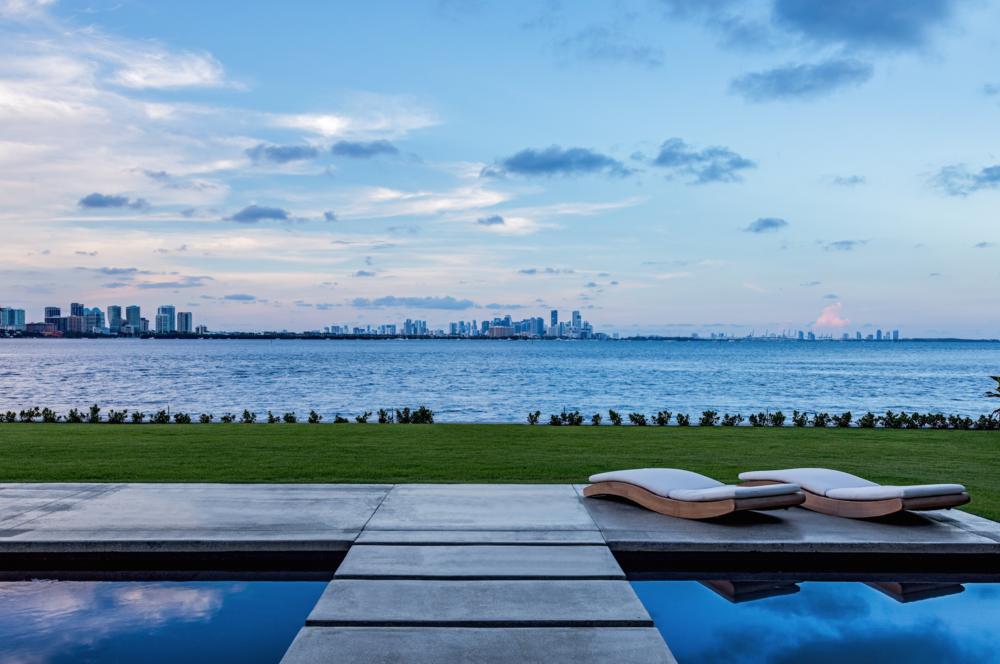 Super Bowl Champion Jonathan Vilma Sells Tahiti Beach Island Estate For $14.375 Million