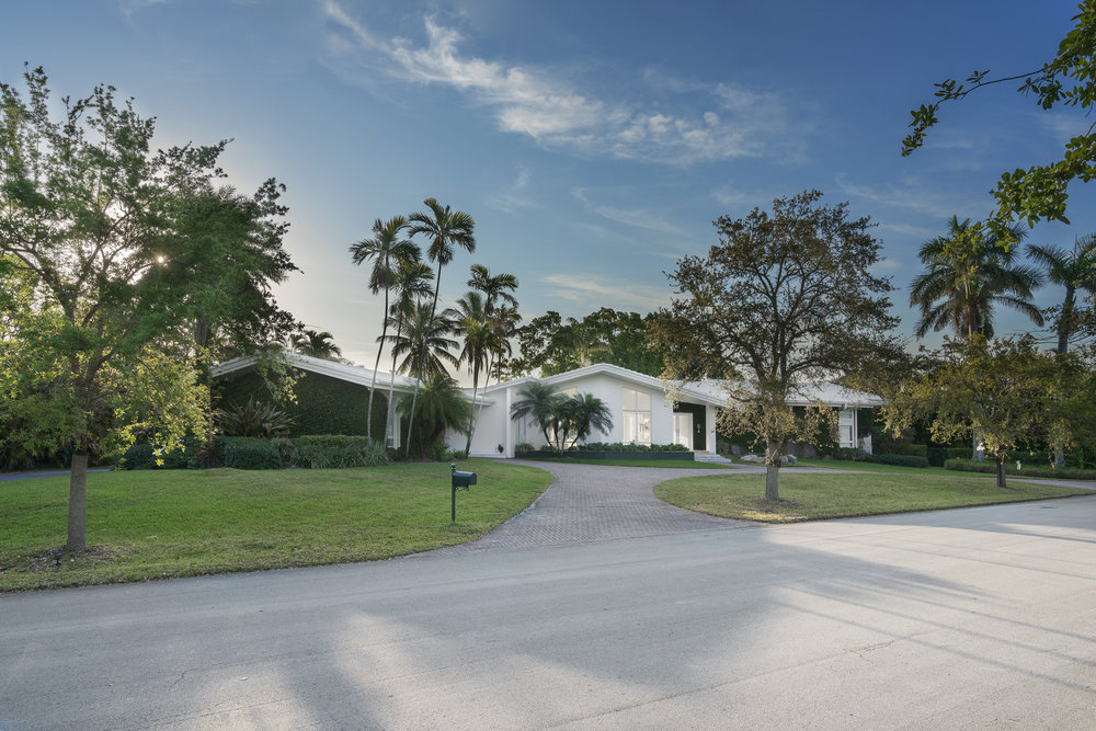 Artefacto CEO Paulo Bacchi Lists His Stunningly Designed Coral Gables Home For $3.4 Million