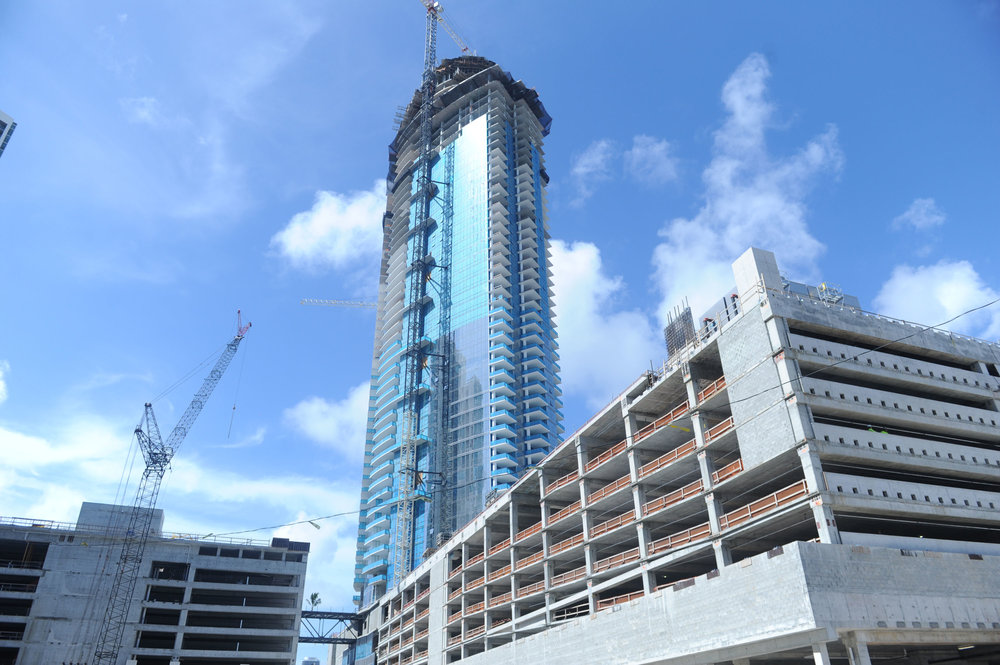 PARAMOUNT Miami Worldcenter has completed vertical construction PARAMOUNT Miami Worldcenter Tops Off In Downtown Miami With Over $400 Million In Sales