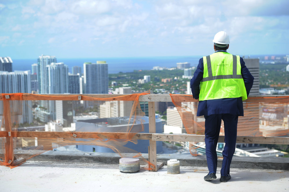 Developer Nitin Motwani takes in the views from the top of PARAMOUNT Miami Worldcenter PARAMOUNT Miami Worldcenter