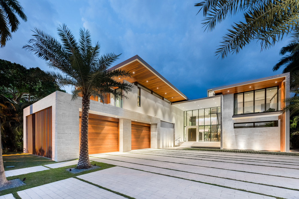Check Out This Choeff Levy Fischman-Designed Palm Island Mansion Which Just Sold For $24.57 Million
