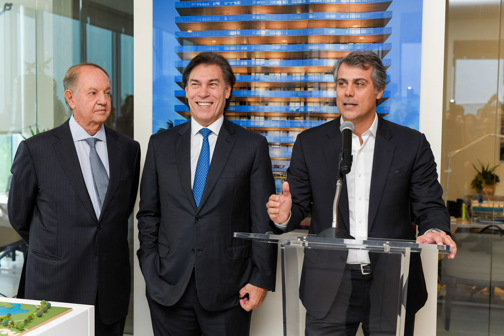 Dr. José Isaac Peres, Edgardo Defortuna, and Marcelo Kingston