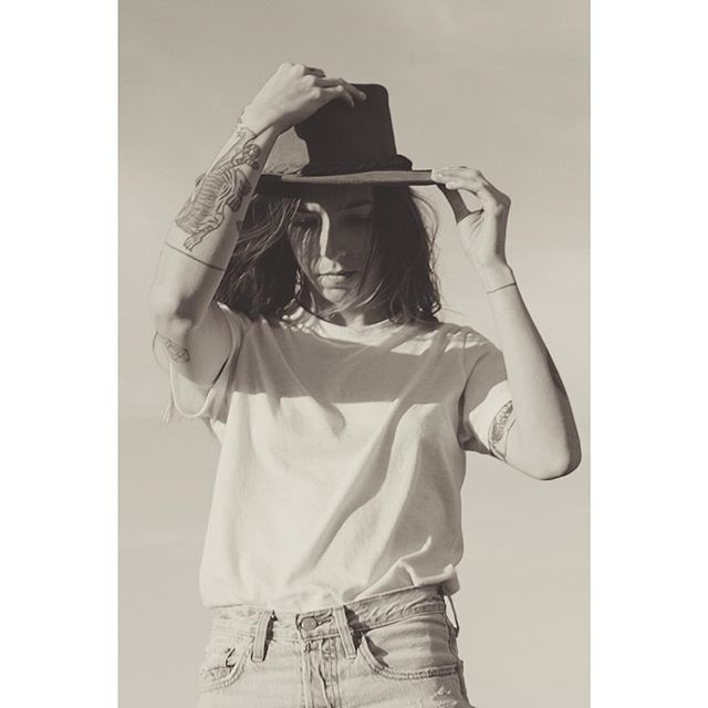 I wanna get high on the west coast, gasoline and videotape. 🌵 . . . . . #mytinyatlas #selfiequeen #fujifilm #fujifilmxt20 #selfportrait #palmsprings #joshuatree #desertdream #tattooedladies #californialiving #fujifilmnorthamerica #fujifilmxseries