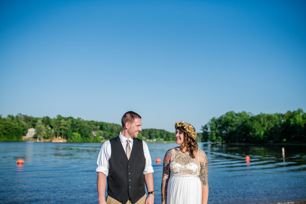 photographing a wedding with a broken leg : overcoming obstacles of small business