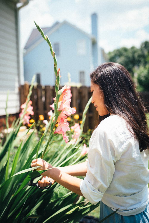 garden essentials - gardening tips - north carolina lifestyle blog