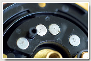 The Penn 525 Supermag Extra - a closer view of the array of magnets