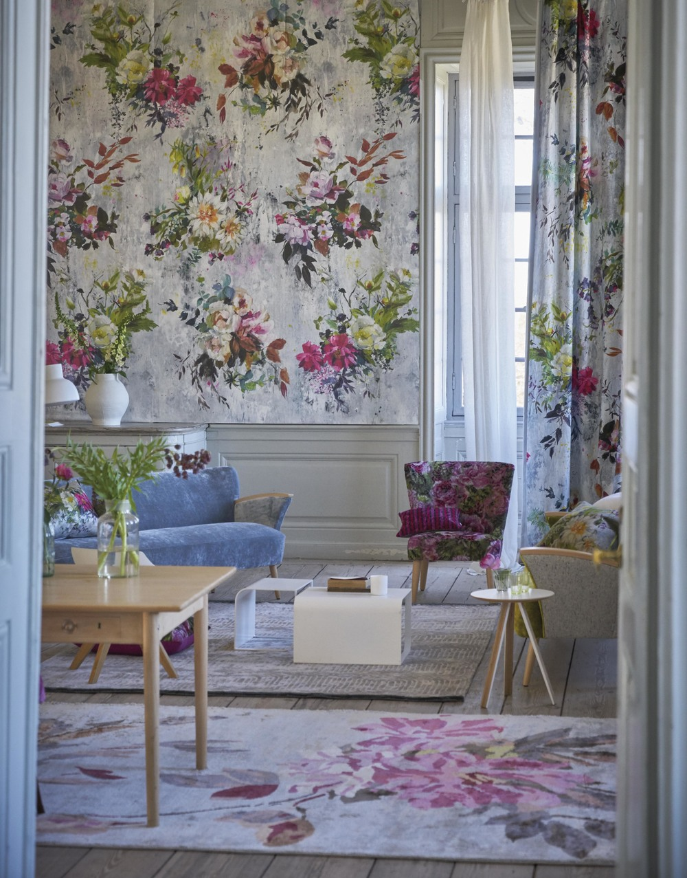DESIGNERS GUILD FABRIC, WALLPAPER, TRIMMINGS, RUGS & ACCESSORIES
