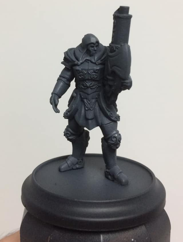 After a black undercoat, dark grey is airbrushed over the entire model from around 45 degrees.
