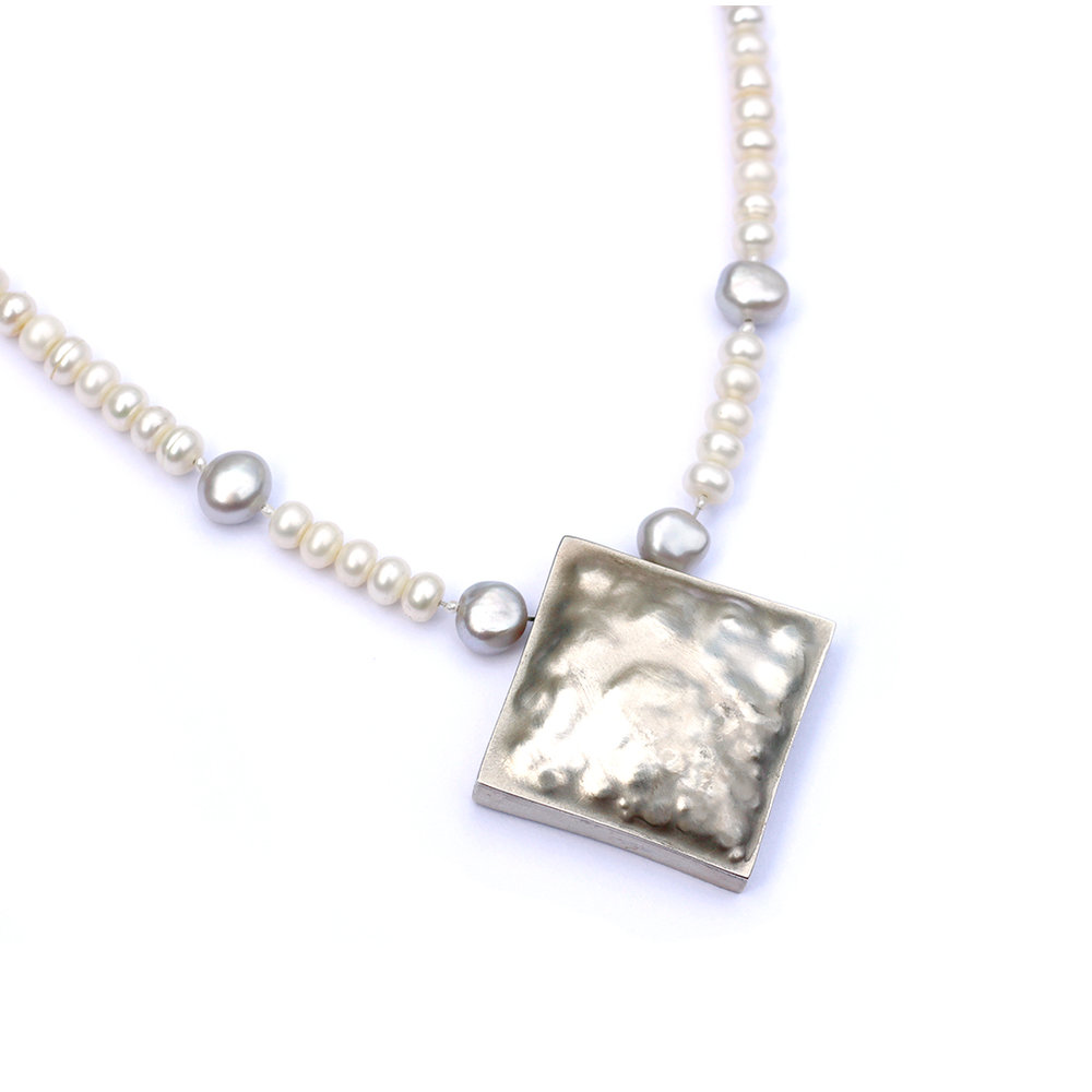 Silver cuboid necklace with pearls