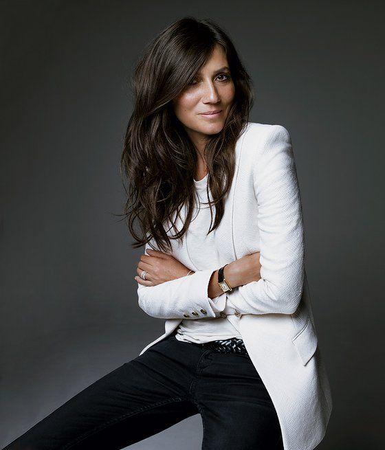 Emmanuelle Alt en una combinación infalible. Blanco y negro.