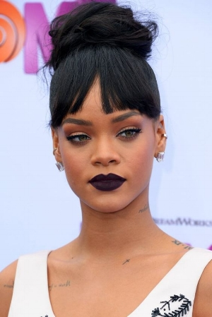rihanna dark lips