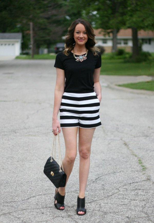 best-black-t-shirt-striped-shorts-statement-necklace.jpg