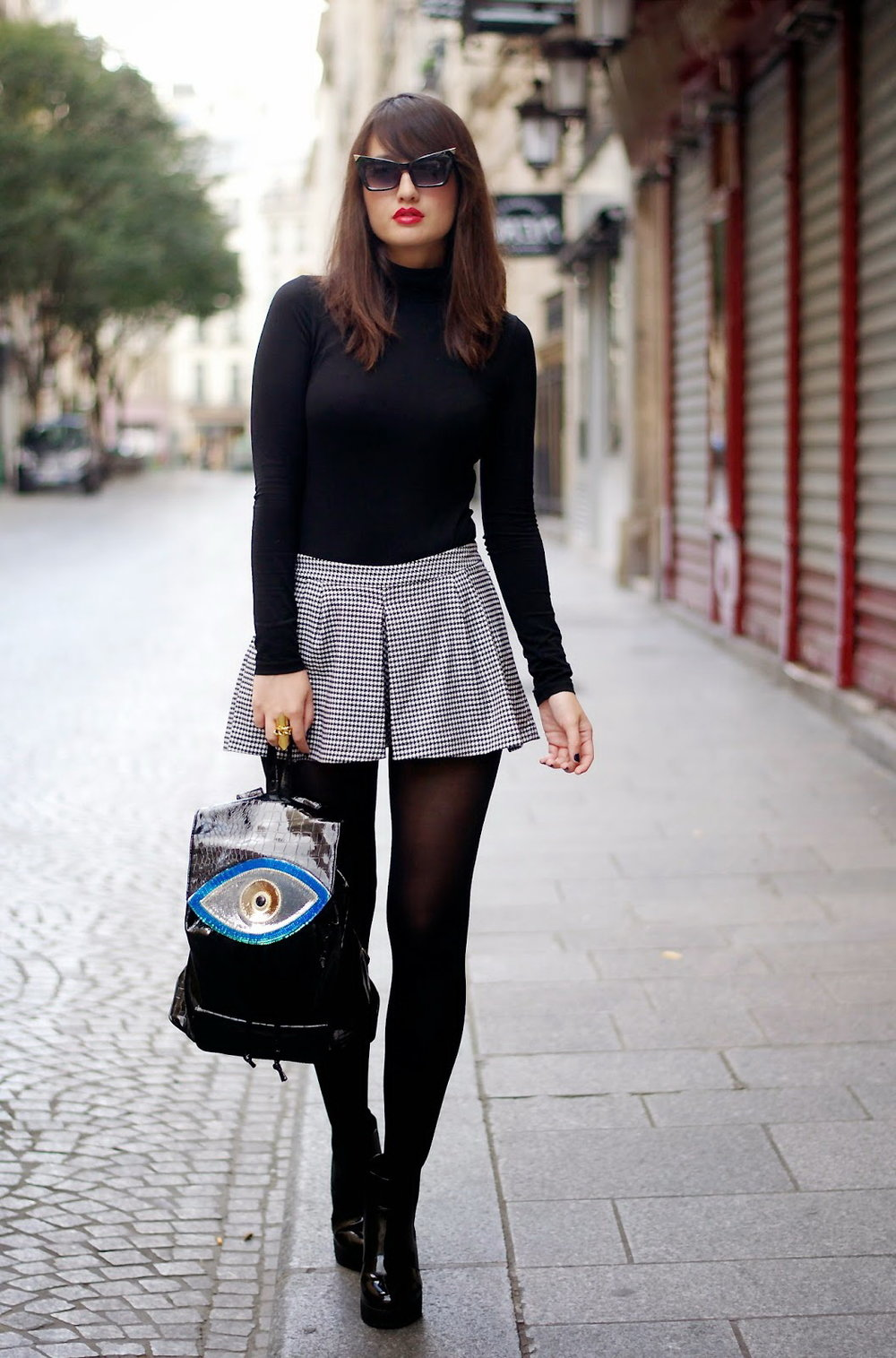 4.-Sweater-With-Chic-Shorts-And-Cute-Sunglasses.jpg