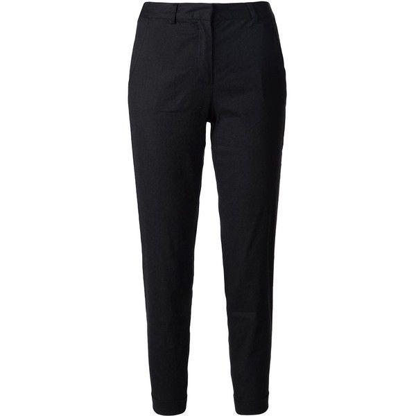 Pantalón de vestir color negro - Fácil de combinar. Se ajusta a estilo de oficina, casual o formal.