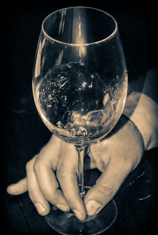 Swirling Wine Glass.png