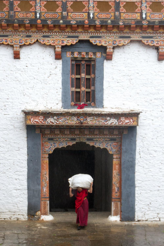Monk in Trongsa Dzong