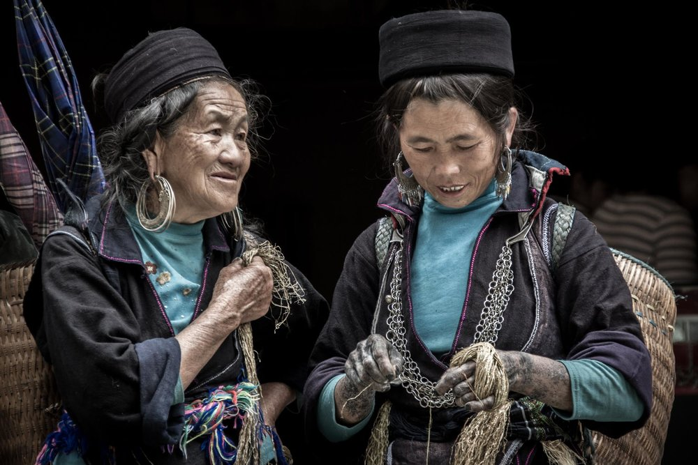 Black H'mong Ladies in SaPa