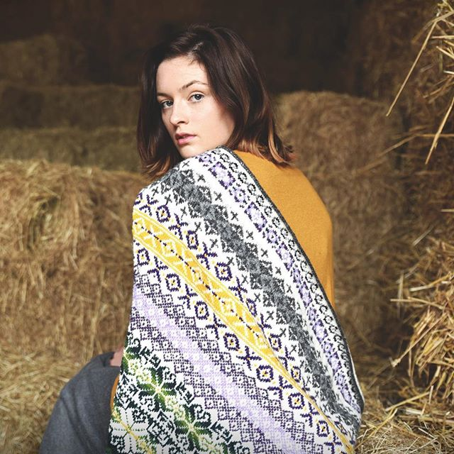 People often tell me they're scared of colourwork or wouldn't know where to begin. Don't be scare just give it a go but if you want some help get yourself booked on my Fair isle 101 course @blacksheepwools next month. Shown here is the wonderful @indiagsmith looking fly in my Útanlands fairisle shawl. ⠀ .⠀ .⠀ .⠀ .⠀ .⠀ .⠀ .⠀ .⠀ .⠀ .⠀ #shetlandwool #jamiesonsandsmith #jamiesonsandsmith2plyjumperweight #fairisle #colourwork #instalove #instahandmade #instawork #handmade #work #knitting #yarn #wool #needles #pattern #time #patterns #christmas #stitch #knittingpattern #knittingpatterns #crafts #crocheting #project #british #fairislefriday #visualnarrative #prettycolours #imagery #fairisleknitting ⠀