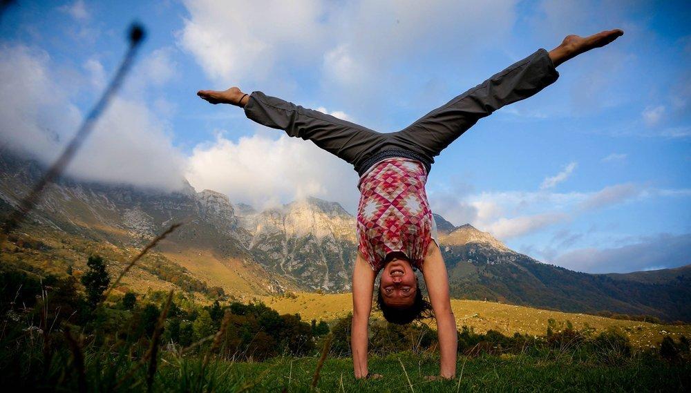 eva-handstand.jpg