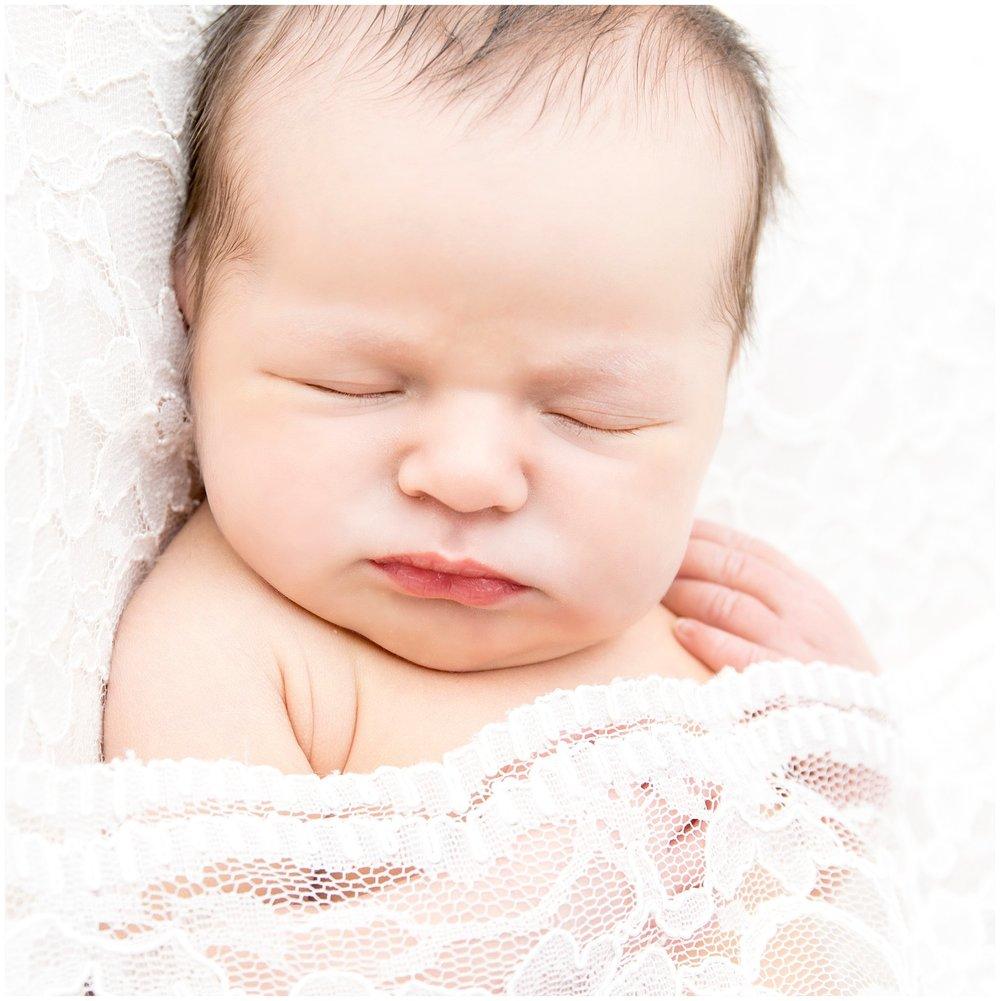 Allison-bauer-neugeborene-babygalerie