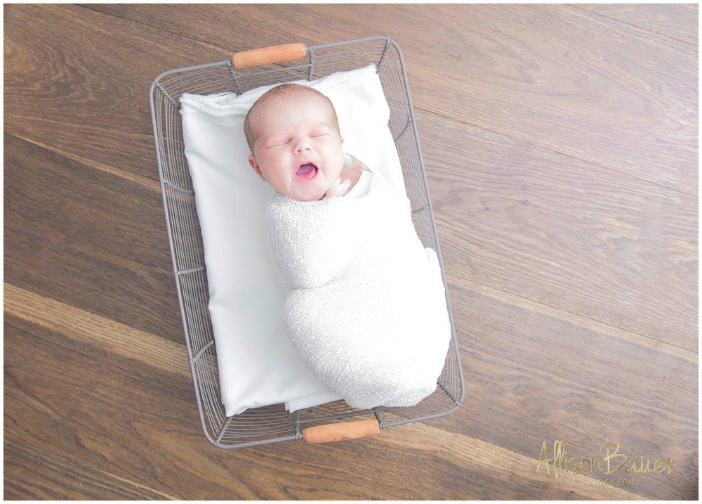 Allison-Bauer-Neugeborene-Tochter