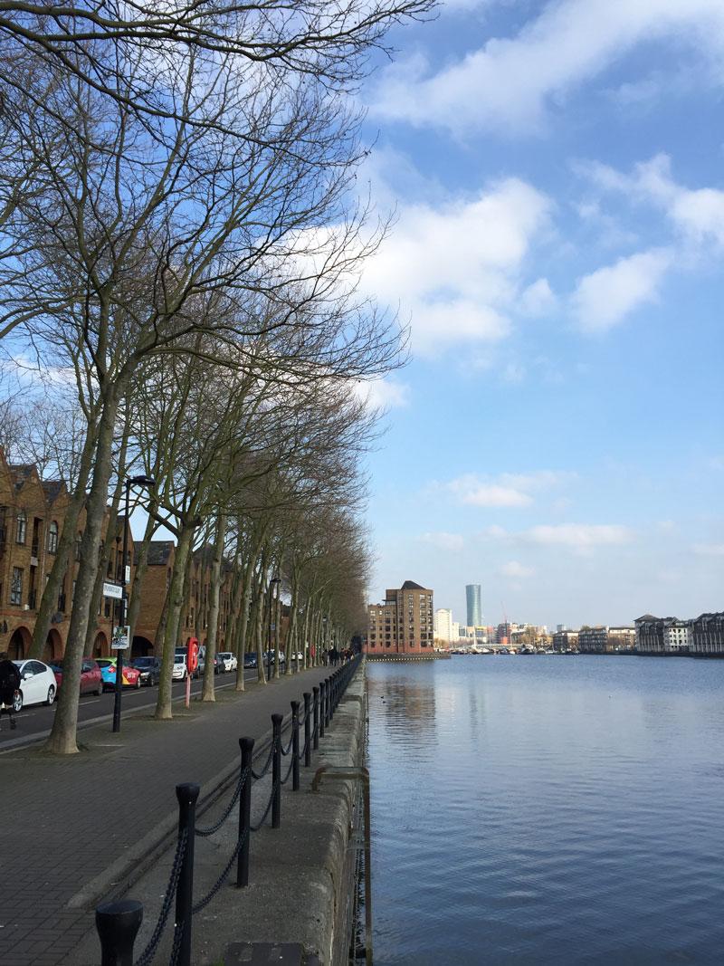 Go-jauntly-london-nature-walking-app-blue-sky