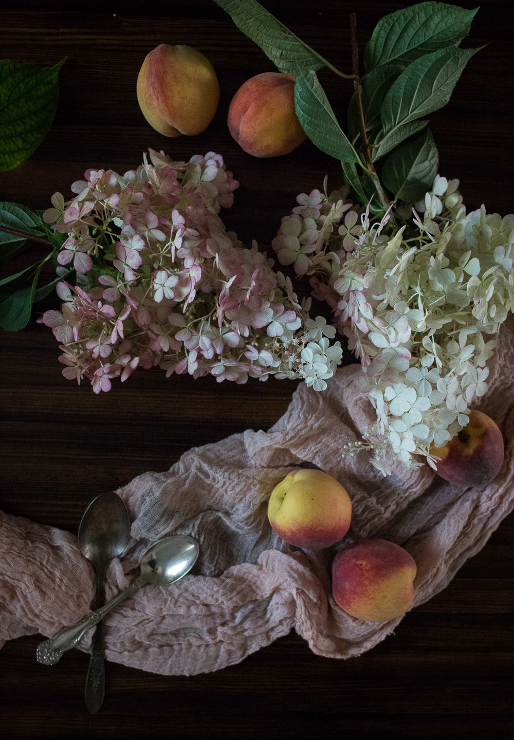 peaches and hydrangeas | Linden & Lavender